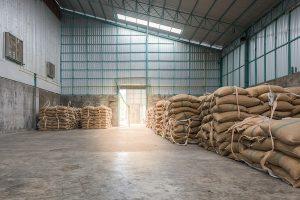 Milyen előnyökkel jár egy acélszerkezetes mezőgazdasági épület?